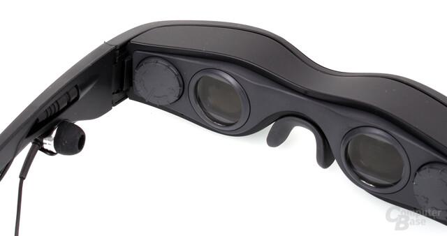 """Dioptrieneinstellung, In-Ear-Kopfhörer und """"Gläser"""" der Cinemizer OLED"""