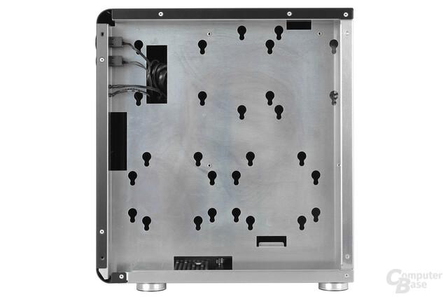 Cubitek Mini Cube - Trayrückseite und HDD-Montierungen