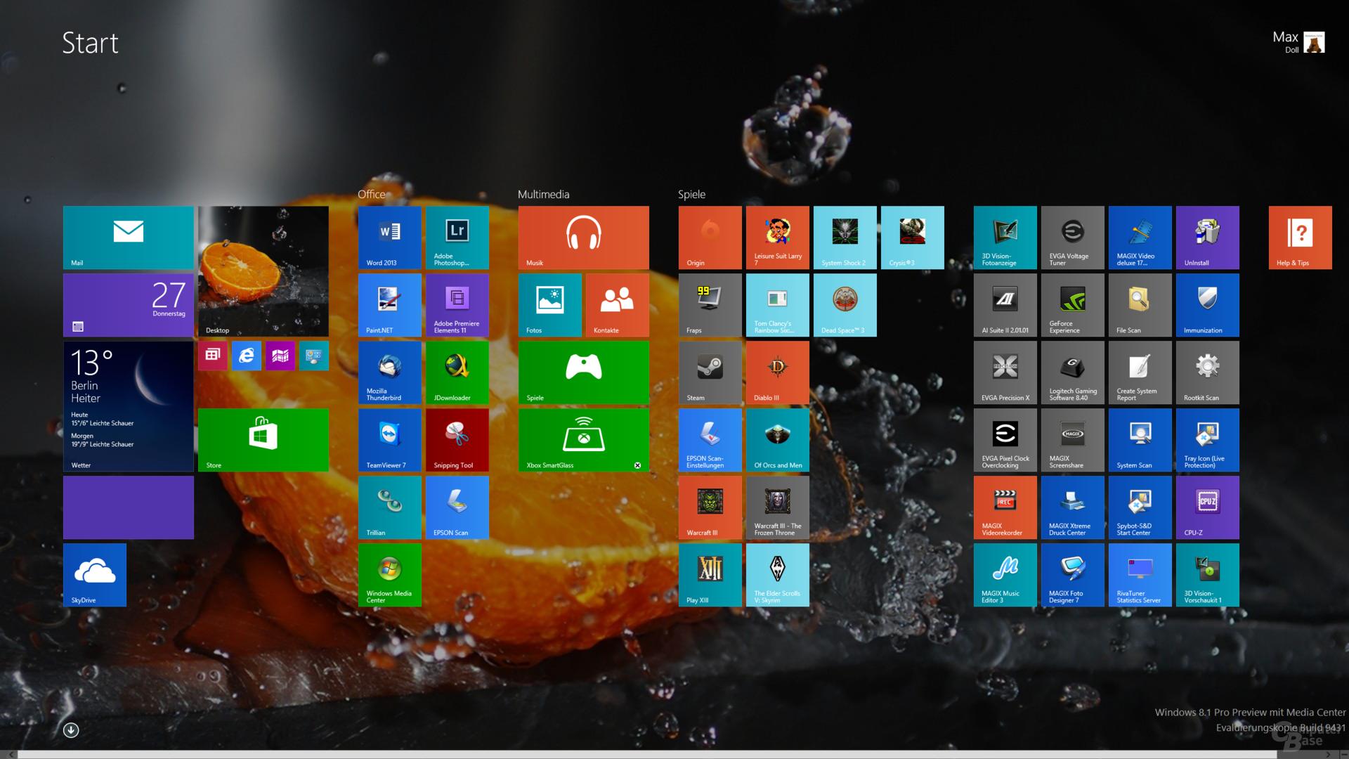 Startmenü mit neuen Kachelgrößen und Desktop-Hintergrund