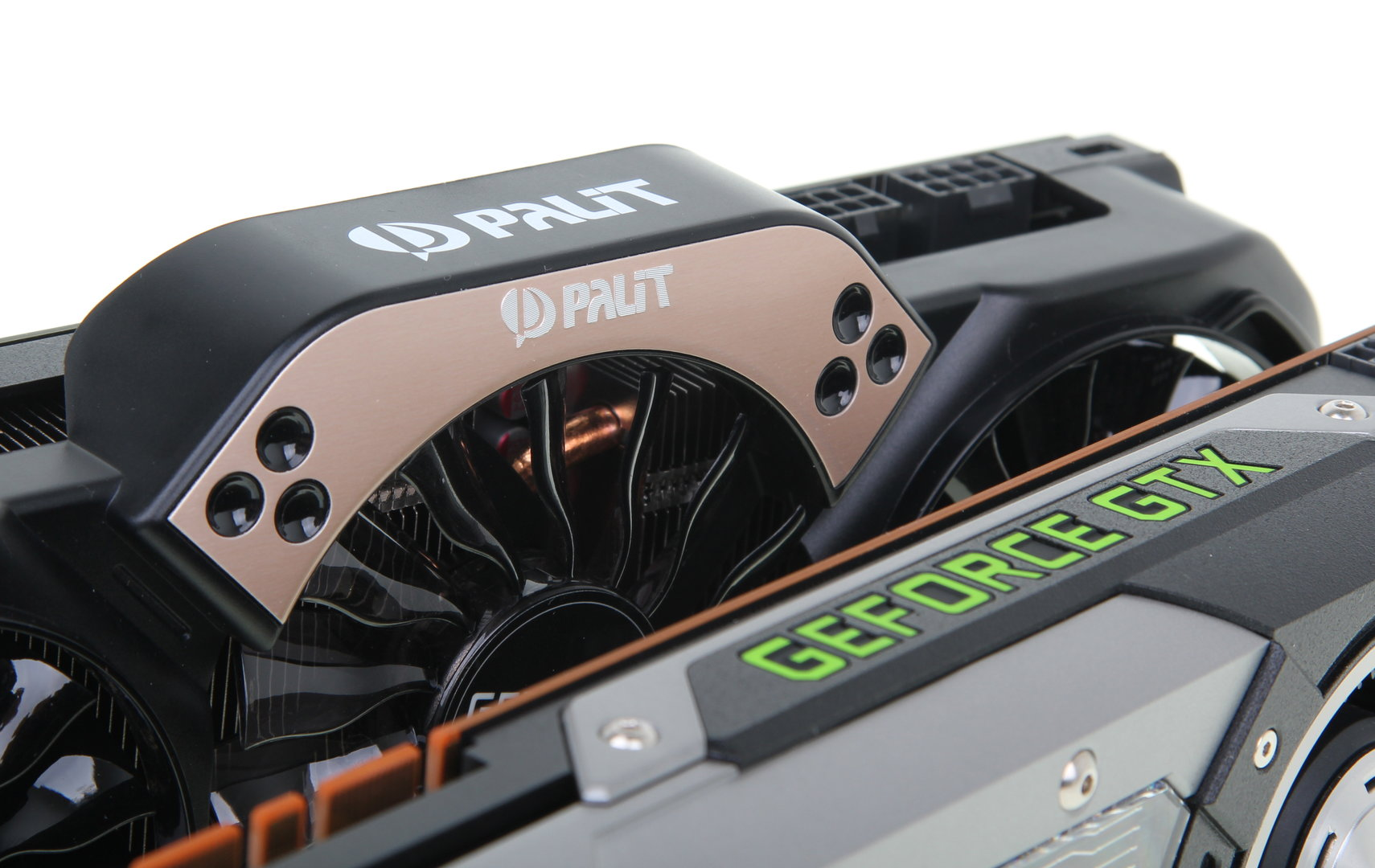 Palit GeForce GTX 780 Super JetStream vs. GeForce GTX 780 Referenz