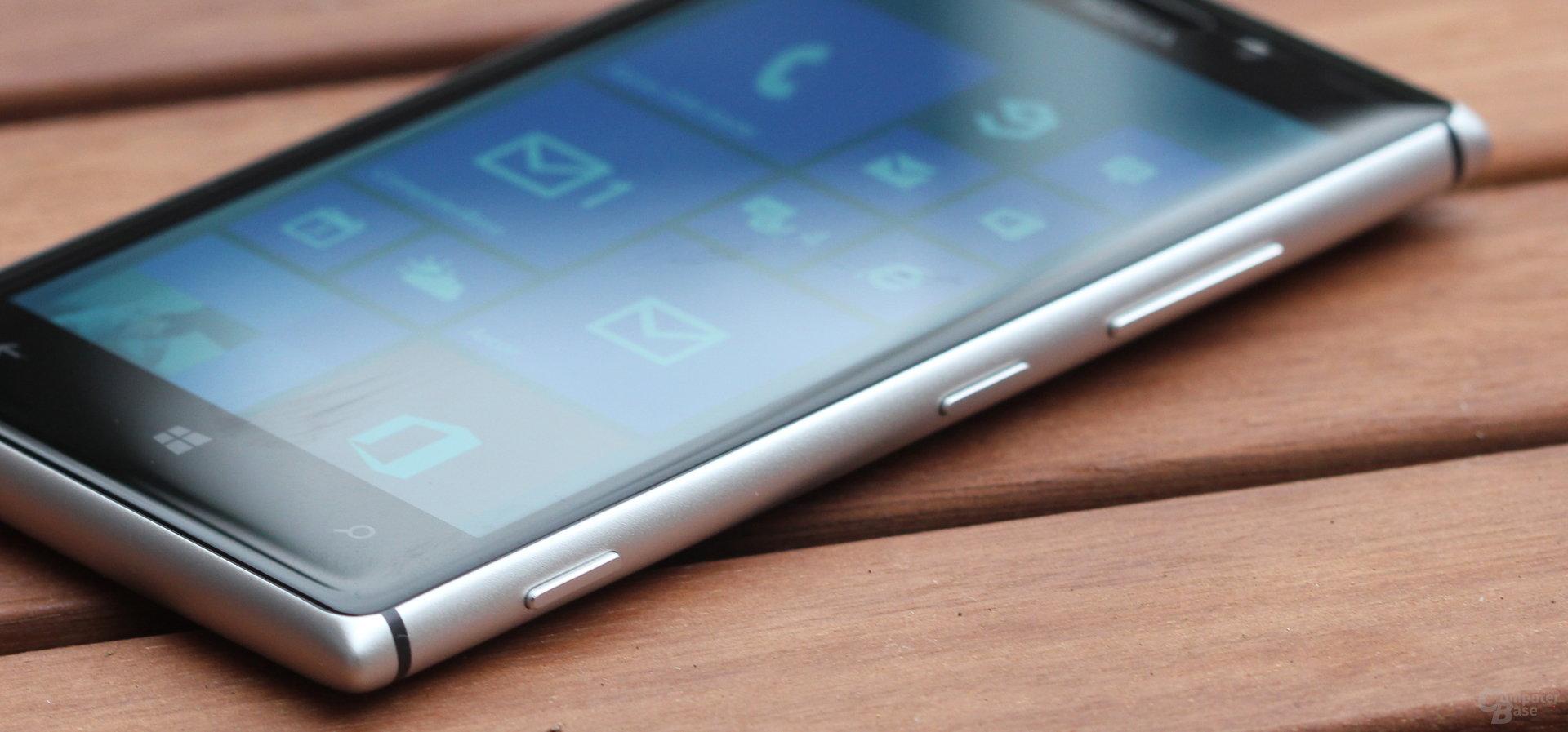 Nokia Lumia 925 - Schalter und Wippen