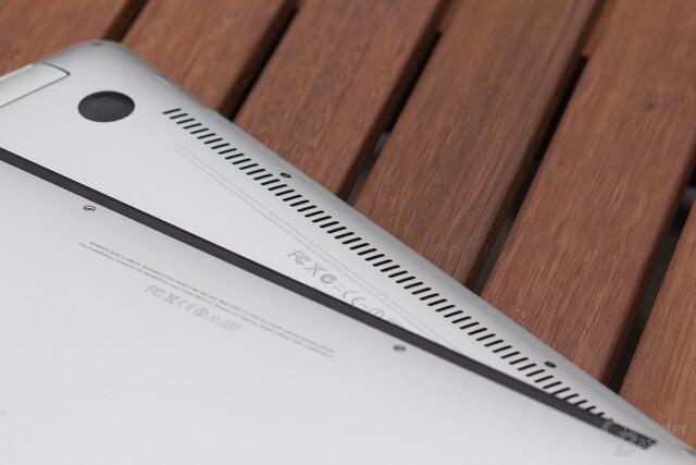 """MacBook Air 13"""" 2008 (u.) vs. MacBook Air 13"""" 2013 (o.)"""