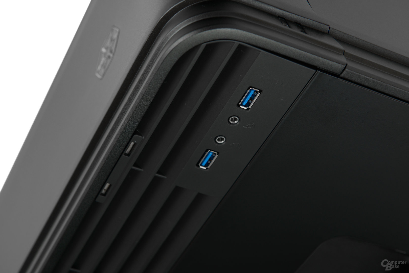 Silverstone Fortress 04 - Frontpanel