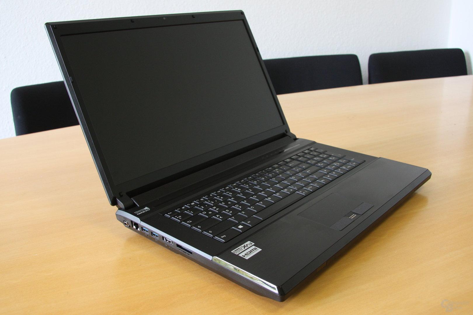 HawkForce P170SM – Tastatur und Display