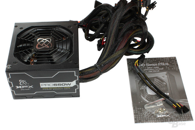 XFX Pro Series Full Wired Edition 550W Lieferumfang