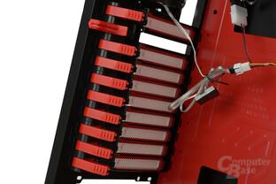 Aerocool GT-S - Werkzeuglose Montierung für Erweiterungskarten