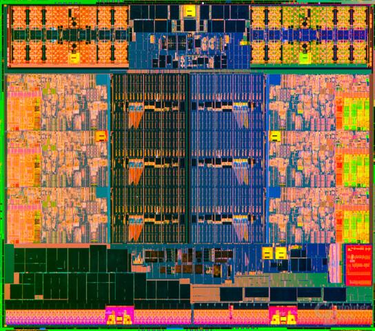 Die-Shot von Intels Ivy Bridge-E mit sechs Kernen