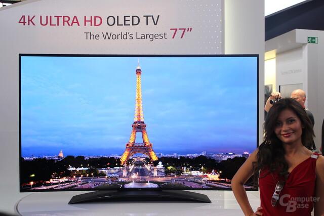 Gebogener LG UHD-OLED-TV mit 77 Zoll