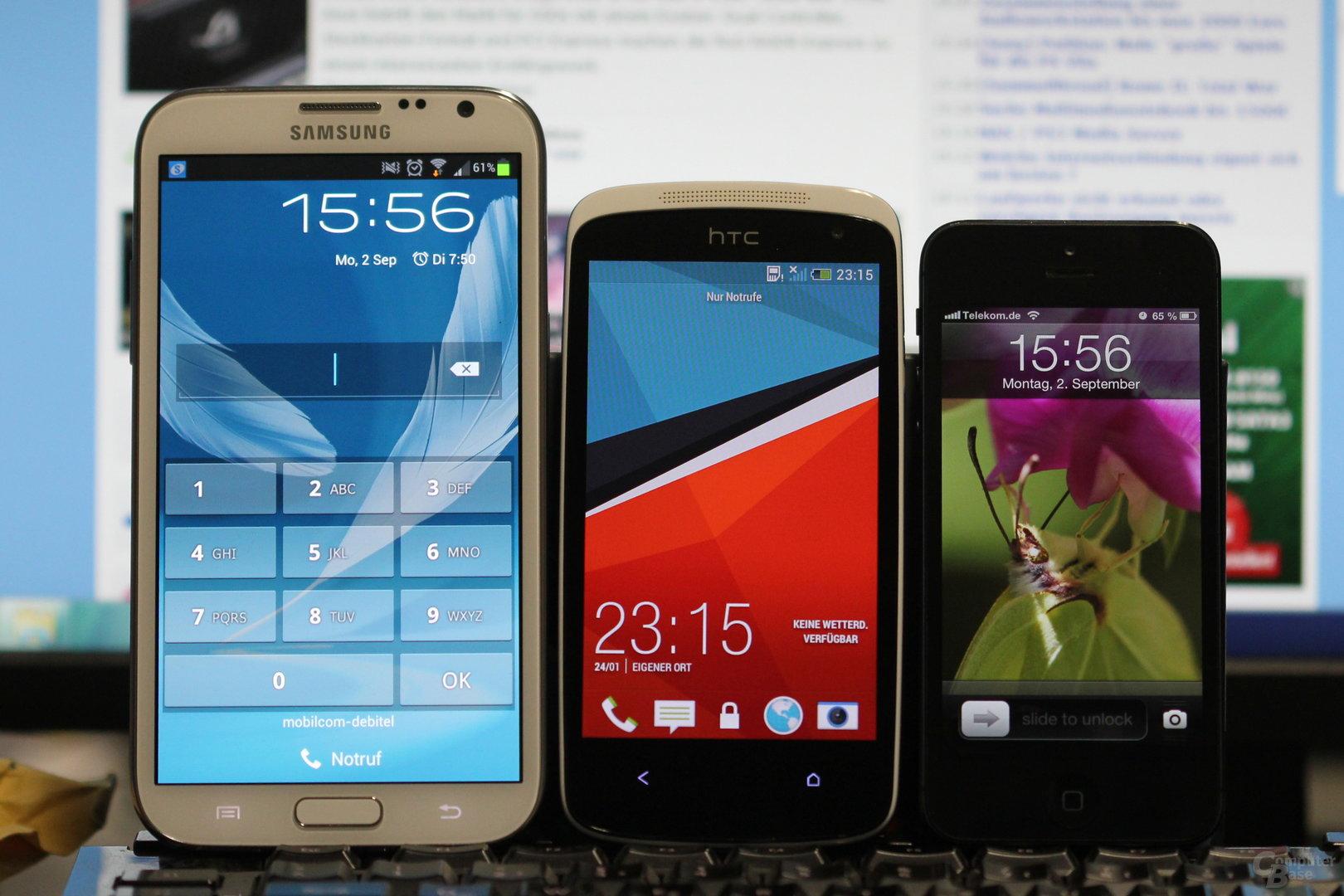 v.l.n.r.: Samsung Galaxy Note II, HTC Desire 500, iPhone 5