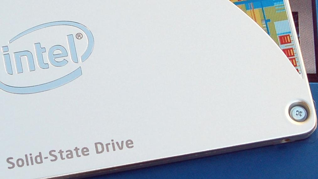 Intel SSD 530 Serie SATA mit 240 GB im Test: Produkt-Update mit 20-nm-Speicherchips