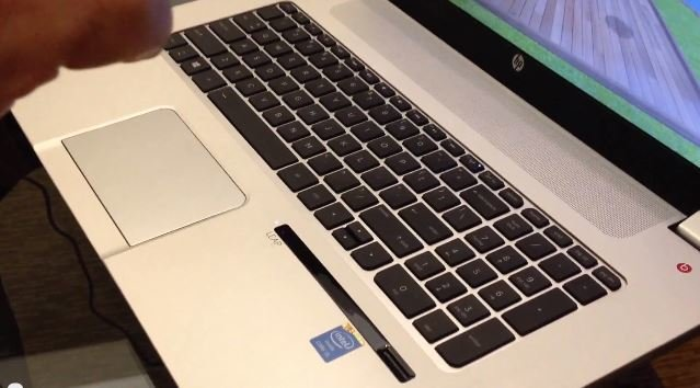 HP Envy 17 Leap Motion SE