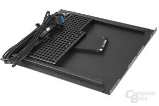 BitFenix Phenom Mini-ITX – Festplattenkäfig im Seitenteil