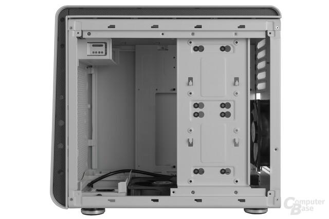 BitFenix Phenom mATX – Innenraumansicht mit Festplattenträger