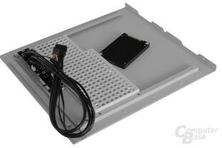 BitFenix Phenom mATX – Festplattenkäfig im Seitenteil