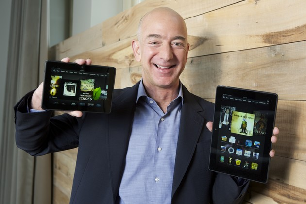 Jeff Bezos mit den neuen Kindle Fire HDX