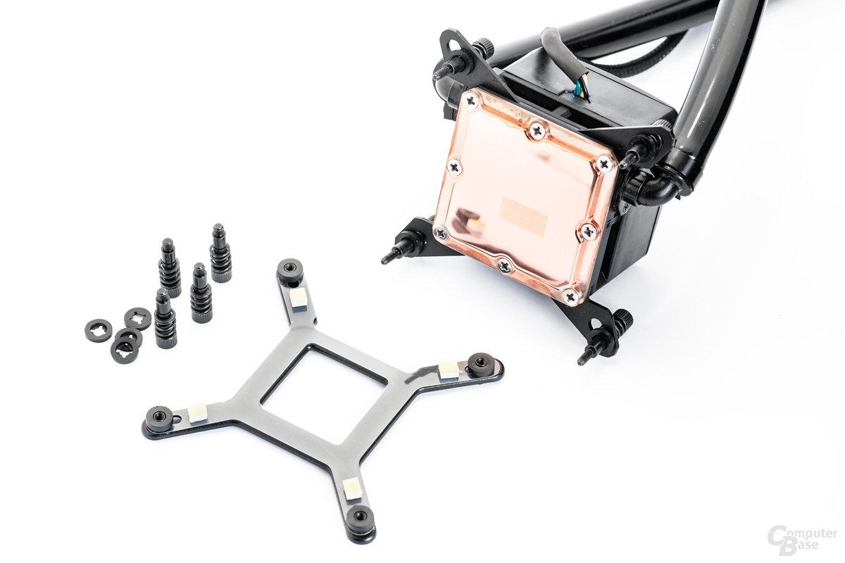 Polierter, ebener Kupferboden und Montagezubehör aus Metall