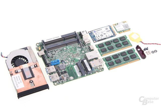 Intel NUC D54250WYK komplett zerlegt