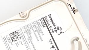 Seagate Desktop SSHD im Test: Hybrid-Laufwerk mit 2 TB auf 3,5 Zoll