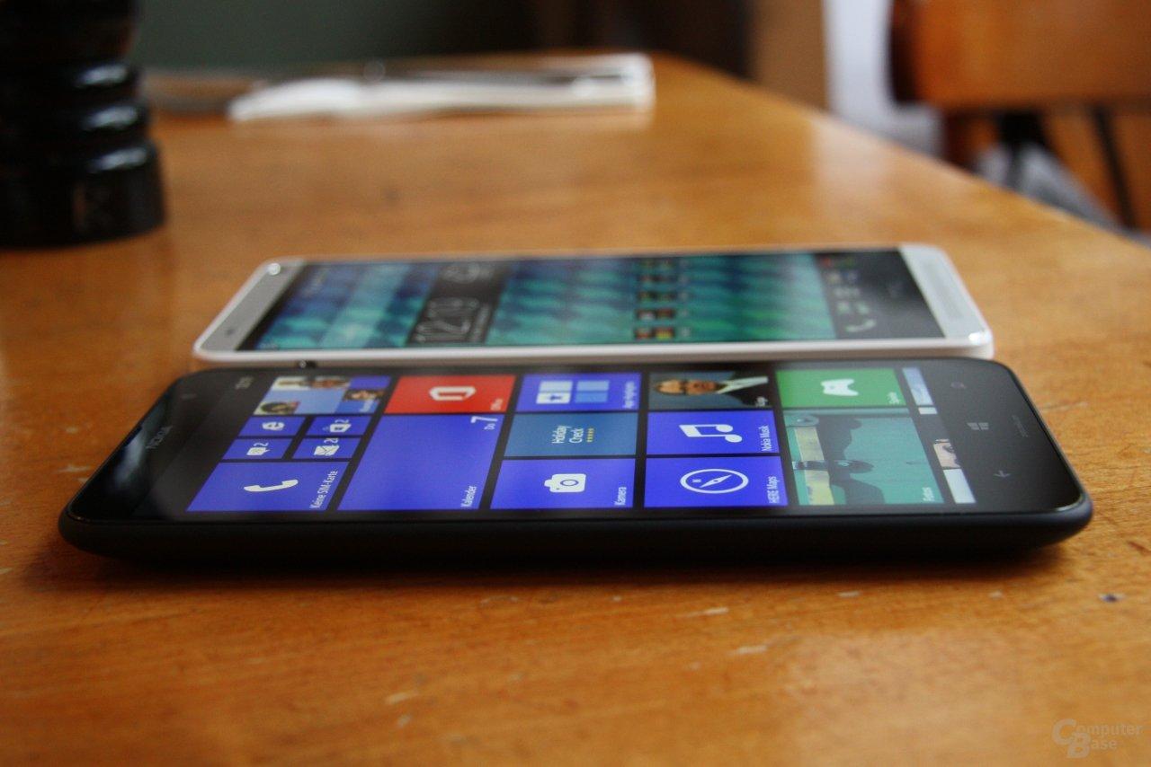 Nokia Lumia 1320 / HTC One max