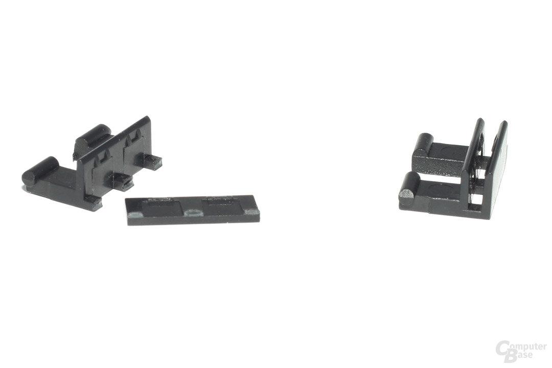 Defekte (links) und noch funktionierende Halteklemme (rechts)