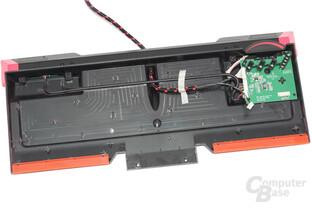Leeres Gehäuse mit Datenleitungen zu den I/O-Ports