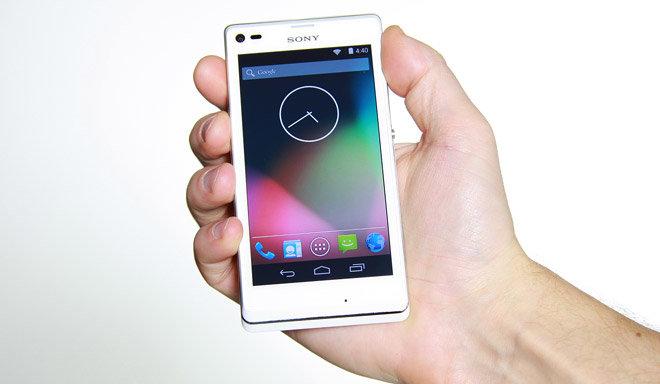 Sony Xperia L mit unverändertem Android