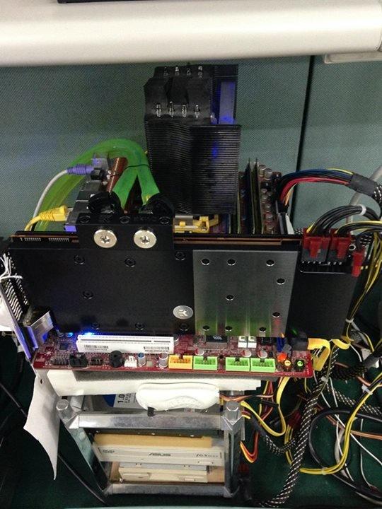 Wassergekühlte Radeon R9 290X von PowerColor