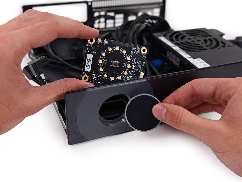 12 LEDs und Controller (NXP LCP11U24F) hinter dem Button in der Front