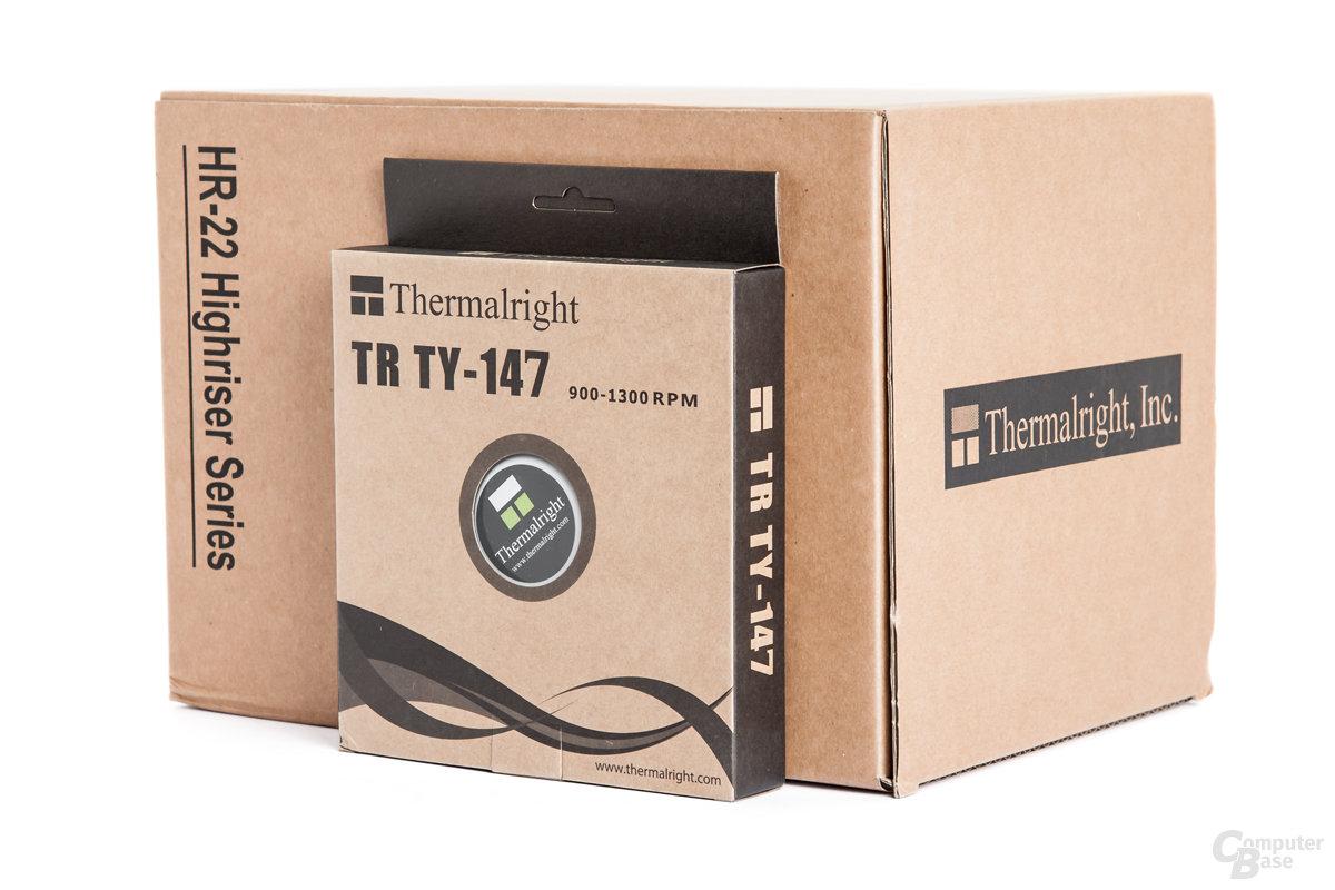 Thermalright HR-22 und TY-147-Lüfter in typischen Retail-Kartonagen