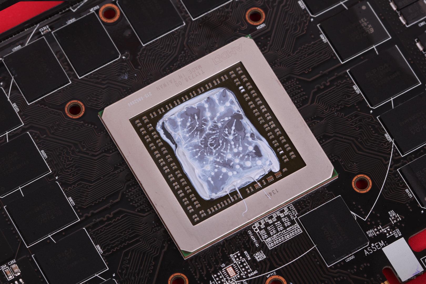 """Die """"Hawaii""""-GPU auf der Gigabyte Radeon R9 290X"""