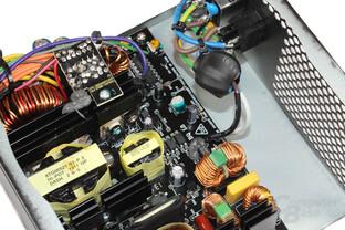 be quiet! Pure Power L8 300W - Elektronik im Detail