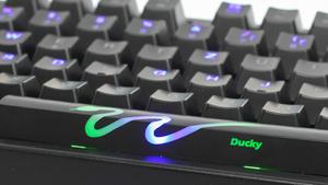 Ducky Shine 3 Tastatur im Test: RGB-LEDs für die mechanische Leertaste