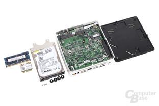 Bodenplatte entfernt – Zugang zur HDD und RAM