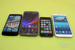 Größenvergleich: Google Nexus 5, LG G Flex, Apple iPhone 5S, Samsung Galaxy Note II