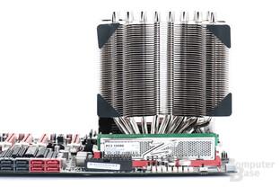 Der IB-E lässt viel Platz zum ersten PCI-Express-Steckplatz