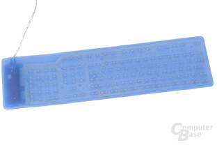 Durch die Rückseite lassen sich Leiterbahnen und Leiterfolien erkennen