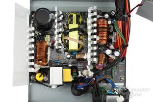 Chieftec New A-135 550 Watt: Überblick Elektronik