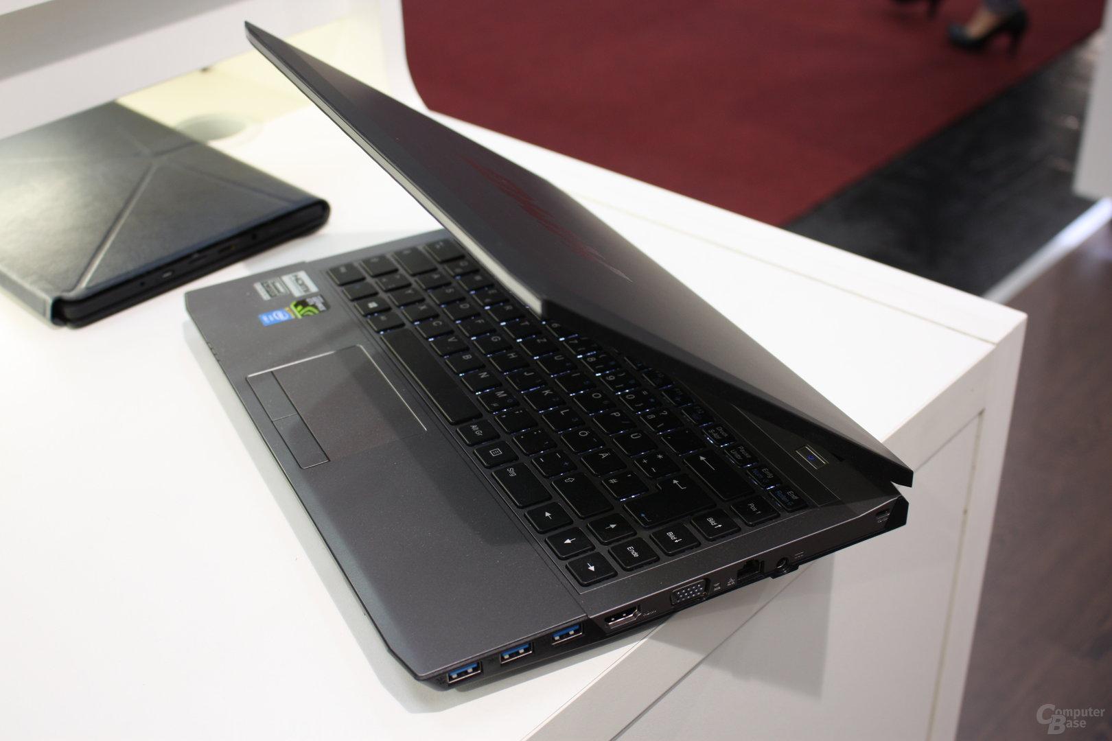 Schenker XMG P303 Pro mit Nvidia GTX860M (Maxwell)