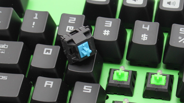 Razer BlackWidow Ultimate 2014 im Test: Razer wagt den Bruch mit Cherry