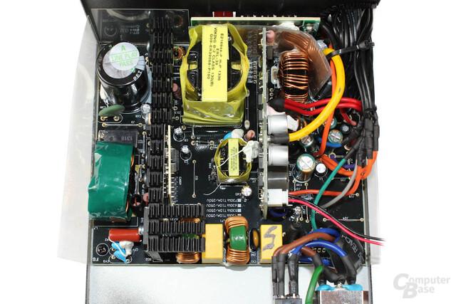 Enermax Revolution X't 530 – Überblick Elektronik