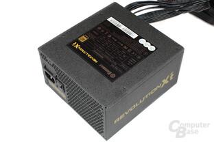 Enermax Revolution X't 530 – Deckel mit Datenblatt