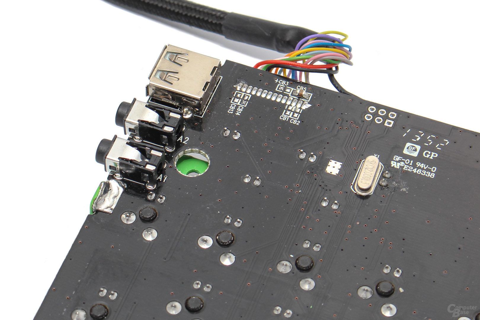 Die I/O-Anschlüsse befinden sich auf der Unterseite des PCBs