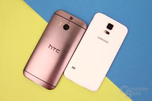 HTC One (M8) und Samsung Galaxy S5: Abgerundete vs. flache Rückseite