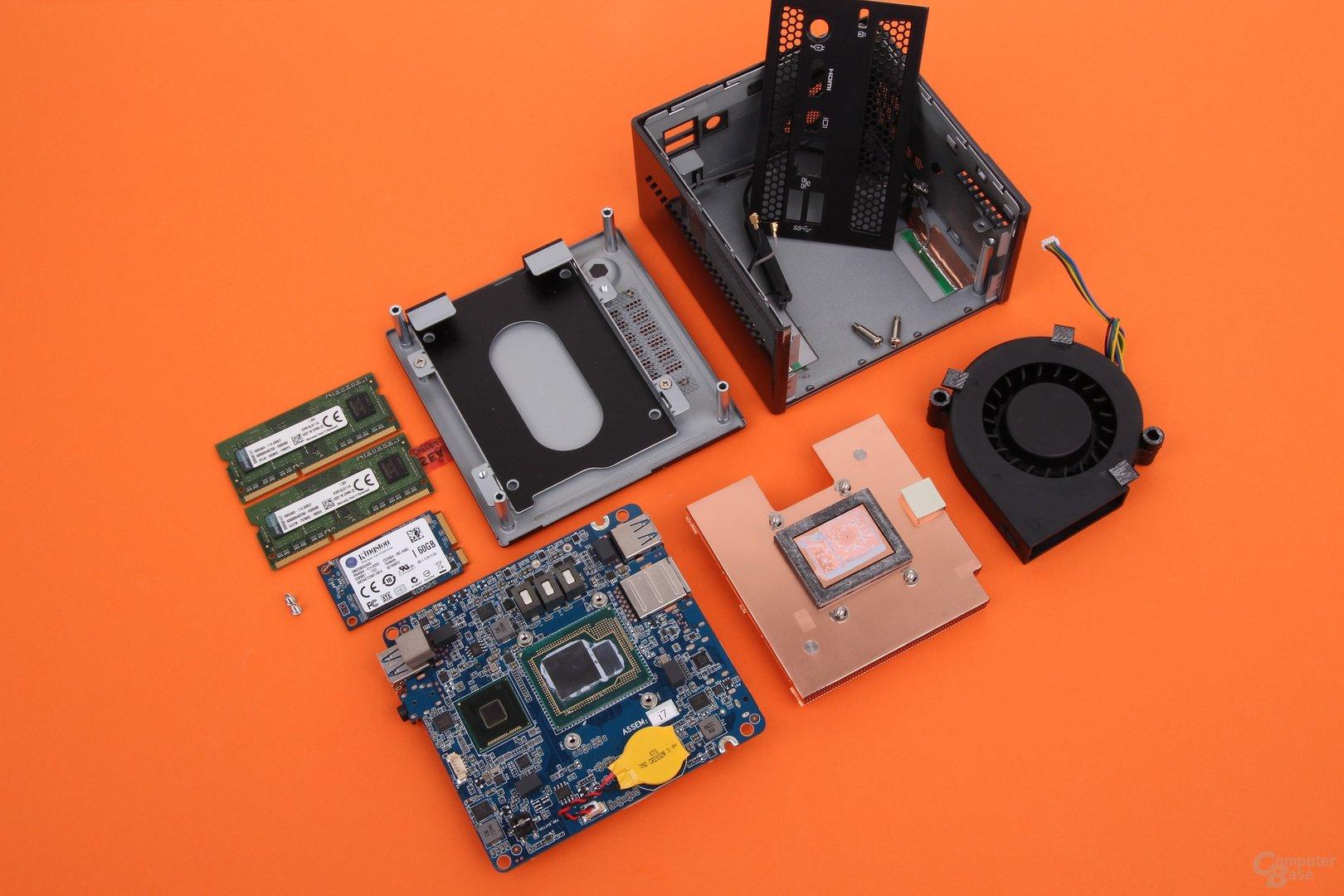 Gigabyte Brix Pro GB-BXi7-4770R zerlegt