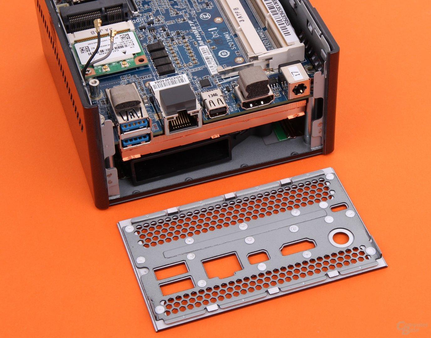 "Gigabyte Brix Pro GB-BXi7-4770R ohne ""Heckklappe"""