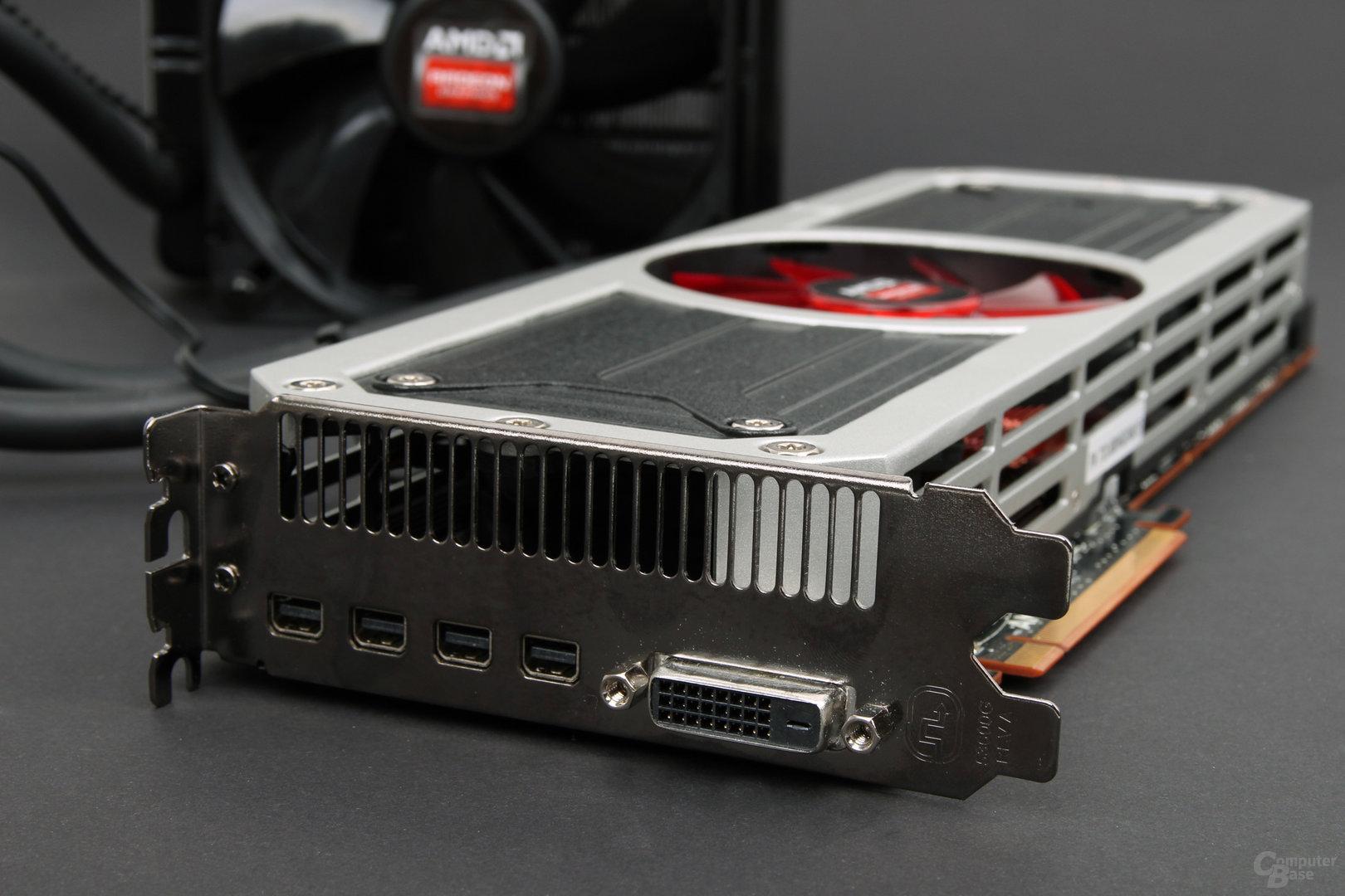 AMD Radeon R9 295X2 – Anschlüsse