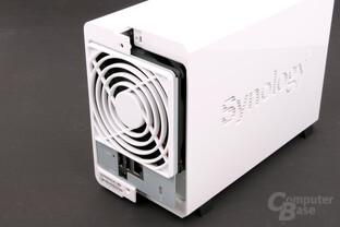 Synology DS214se – Öffnungsmechanismus