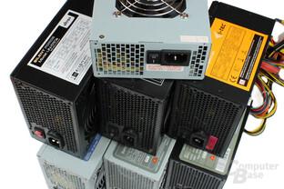 Sieben Billig-Netzteile
