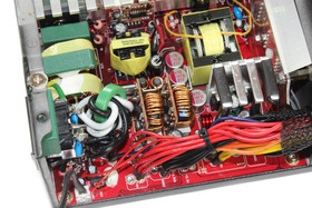 Cooler Master V450S – Sekundärseite im Detail
