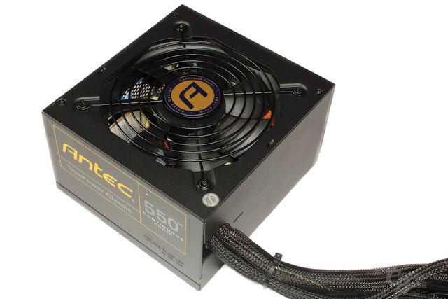 Antec TruePower Classic TP-550C: Kabeldurchlass